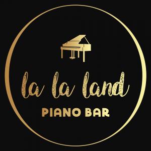 Janet Hogarth at LaLa Land Piano Bar @ La La Land Piano Bar | Dénia | Comunidad Valenciana | Spain