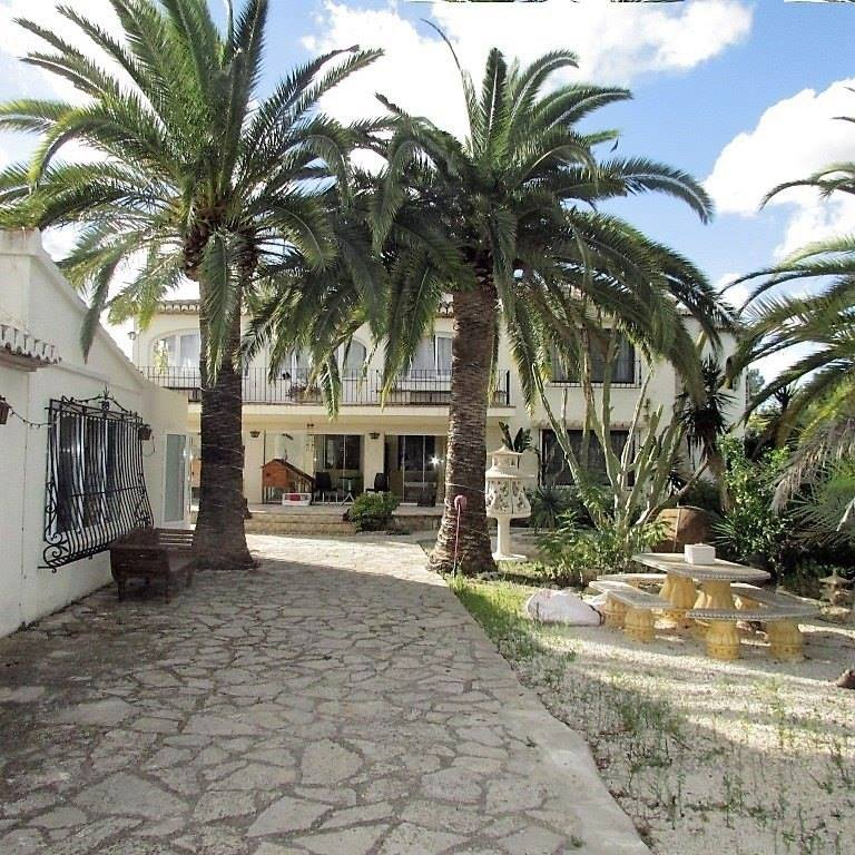 Spectacular 6 Bedroom Villa in Javea For Sale